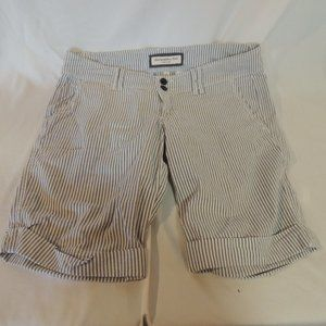 Abercrombie & fitch womens bermuda shorts size 4